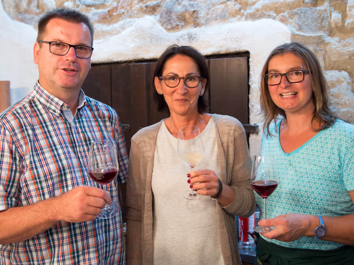Holzschuh Wein
